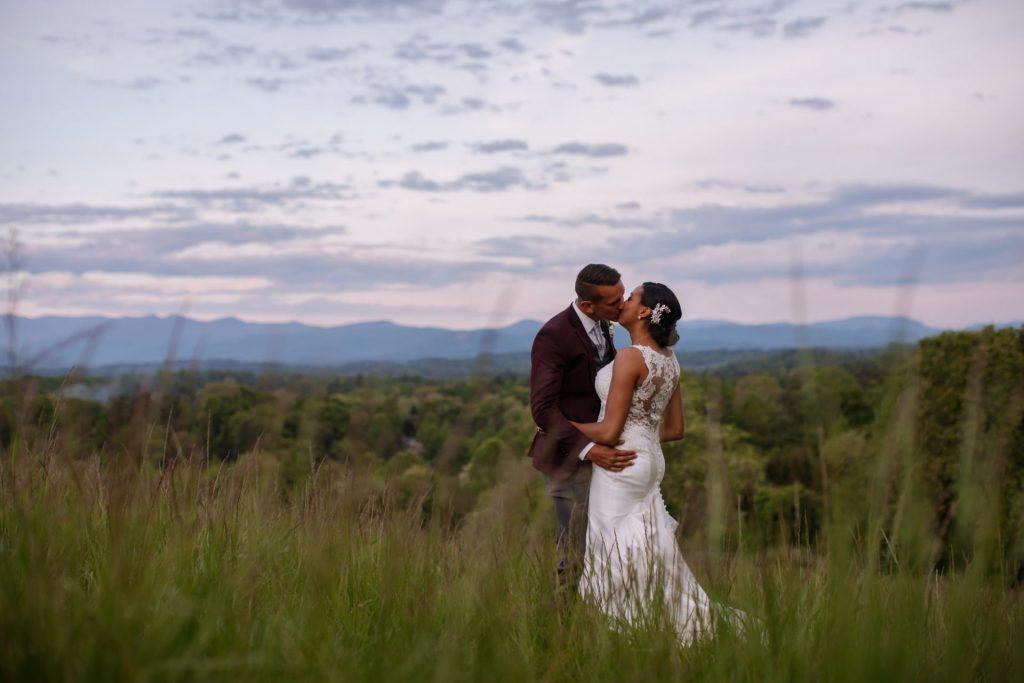 Britt and Ethan_kiss in meadow
